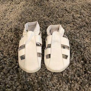 Unisex Bobux White Leather Slip-on Shoes
